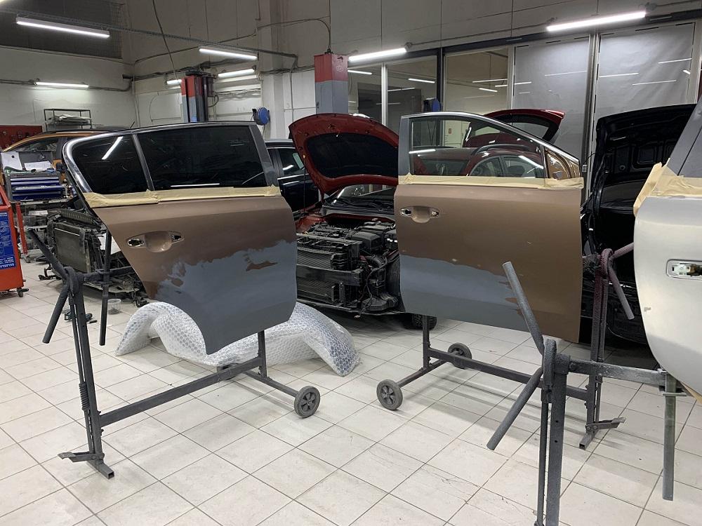 Удаление вмятин и локальная покраска кузова и его частей в автосервисе КИА Шувалово-Моторс